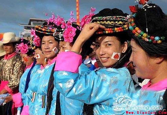 云南丽江纳西族传统的民俗活动介绍
